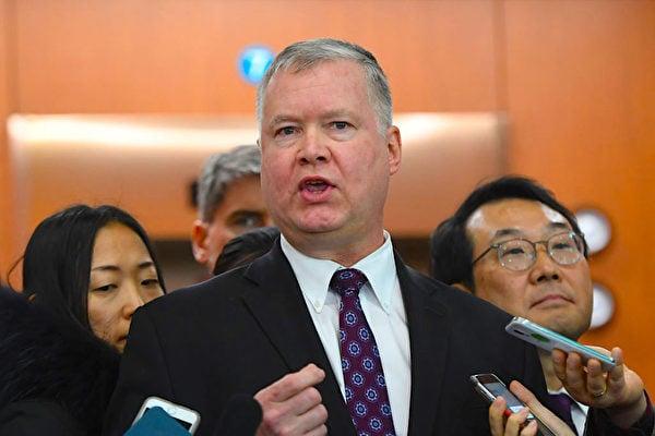 圖為美國副國務卿斯蒂芬比根(Stephen Biegun)2018年12月21日出訪南韓處理北韓問題接受記者採訪。(JUNG YEON-JE/AFP/Getty Images)