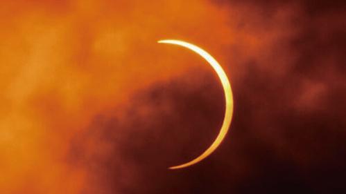 李淳風的《乙巳占》中說,「日被月蝕,陰侵陽,下凌上,咎在君王。」(Getty Images)