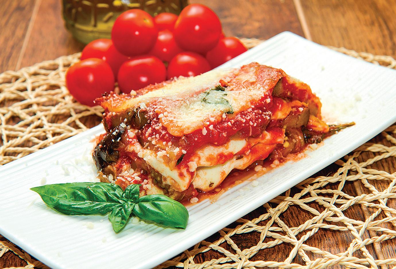 意大利焗烤千層茄子(Eggplant Parmesan)是最常見的茄子焗爐料理。