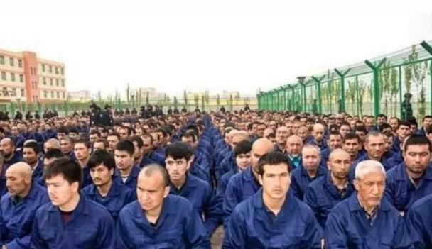 據瞭解,近年新疆約有100萬維吾爾穆斯林被關押在嚴密的再教育營。(網絡截圖)