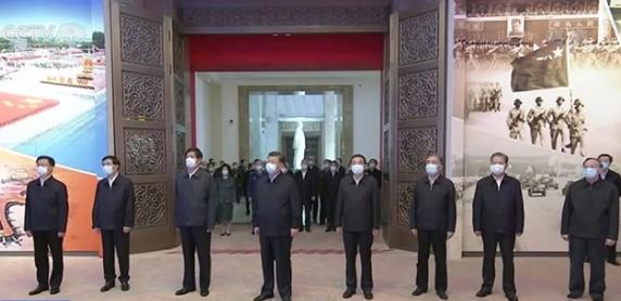 10月9日,中共習近平及七名常委等參觀抗美援朝展覽。(網絡截圖)