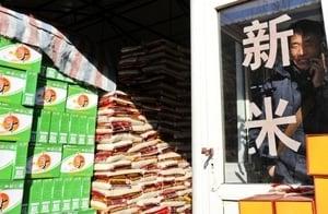 米飯吃出塑料味 大陸知名品牌米中驚現塑料顆粒
