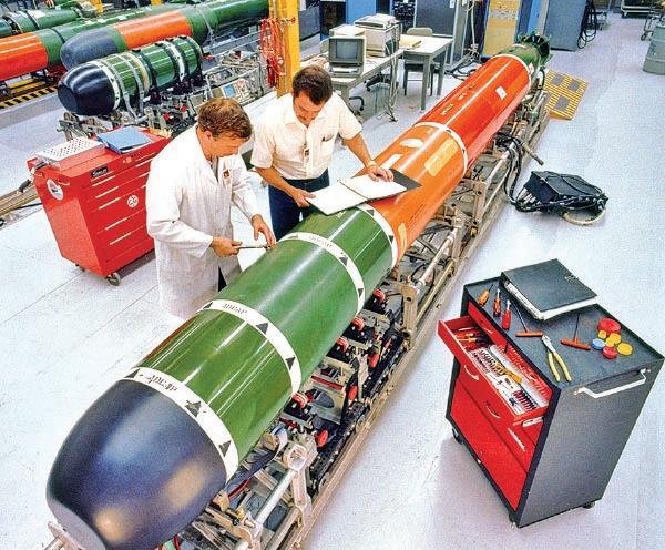 圖為今年5月20日,美國售予台灣的MK48同系列魚雷。(美國海軍檔案照/維基百科)