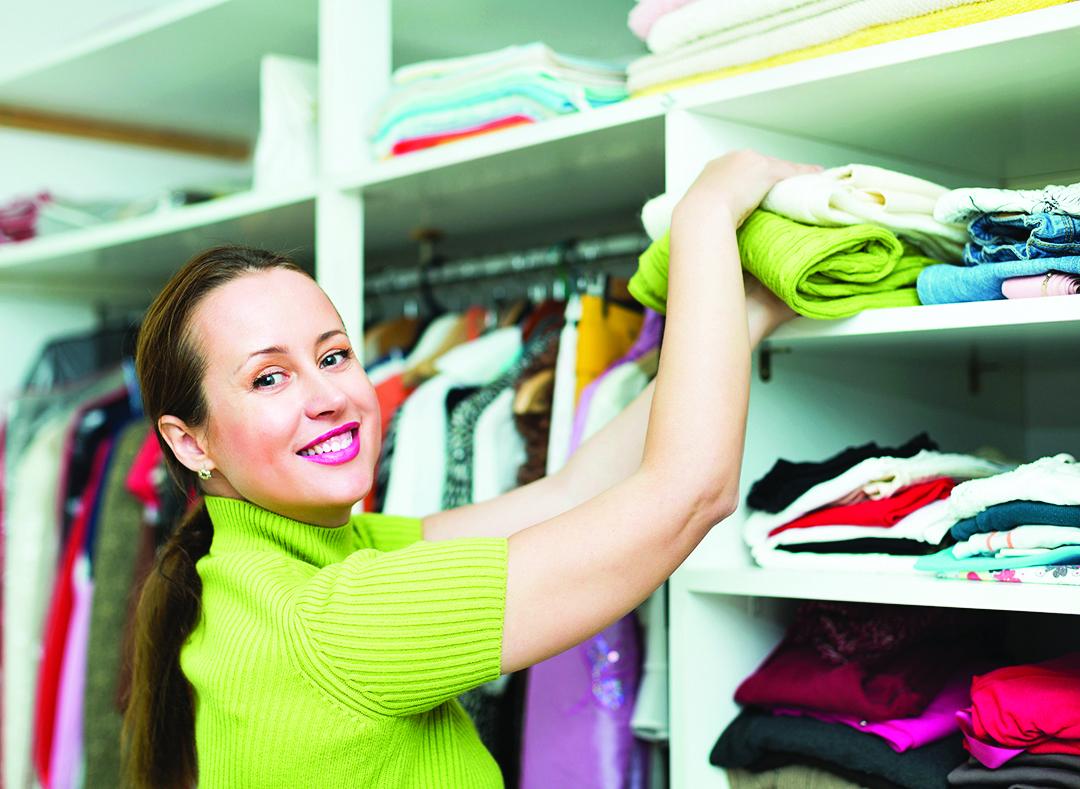 平常就可以順手將散落各處的衣服收進衣櫃。