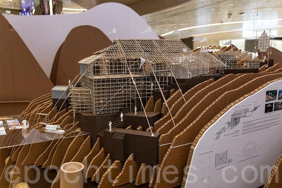在荃灣如心廣場展出的蒲台島天后誕戲棚模型。(資料圖片)