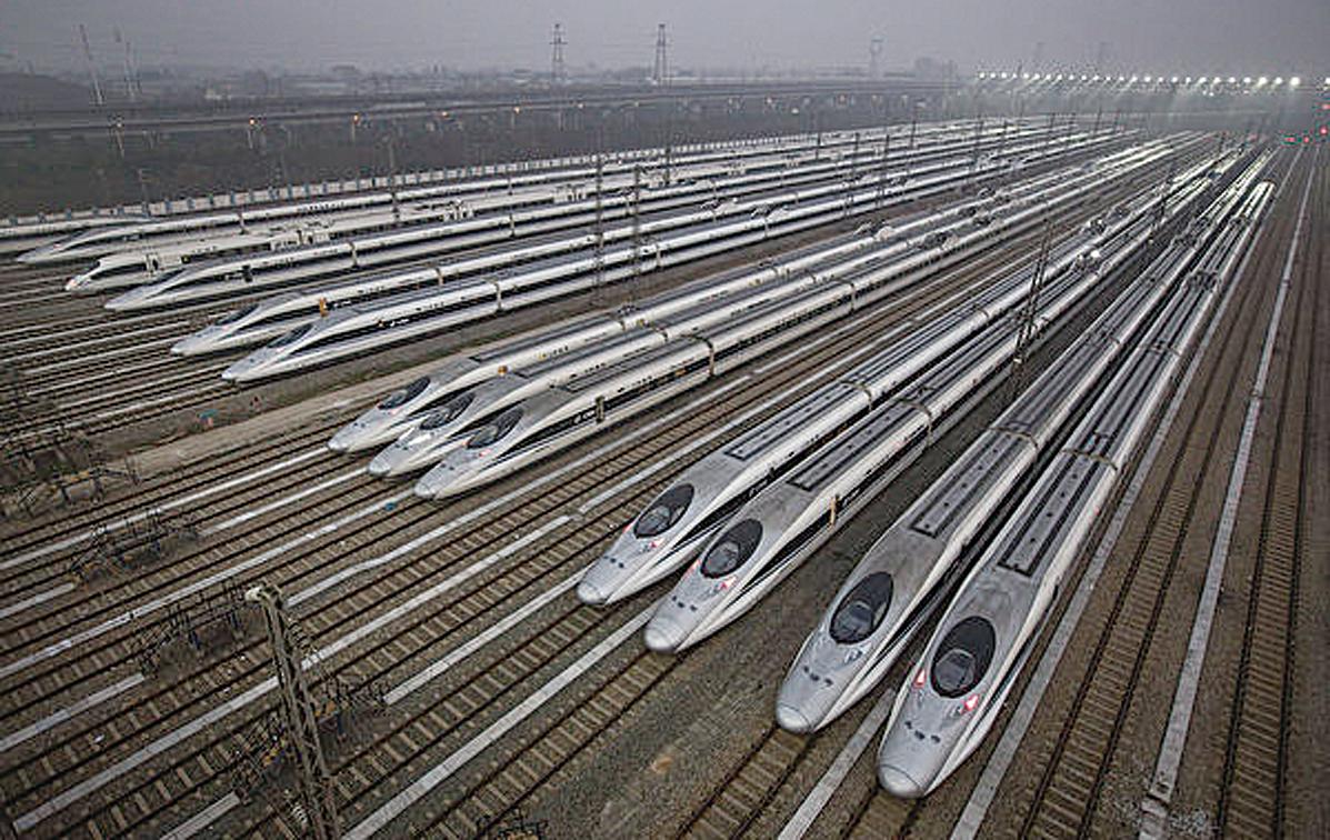 中國國家鐵路集團有限公司總負債超5.57萬億。 圖為中國高鐵列車。(Getty Images)