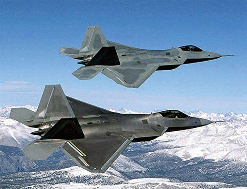 美國突然同意軍售印度超級大黃蜂戰鬥機,亦將出售台灣4架MQ-9無人機。圖為美國空軍F-22猛禽(F-22 Raptor)隱形戰鬥機。(AFP)