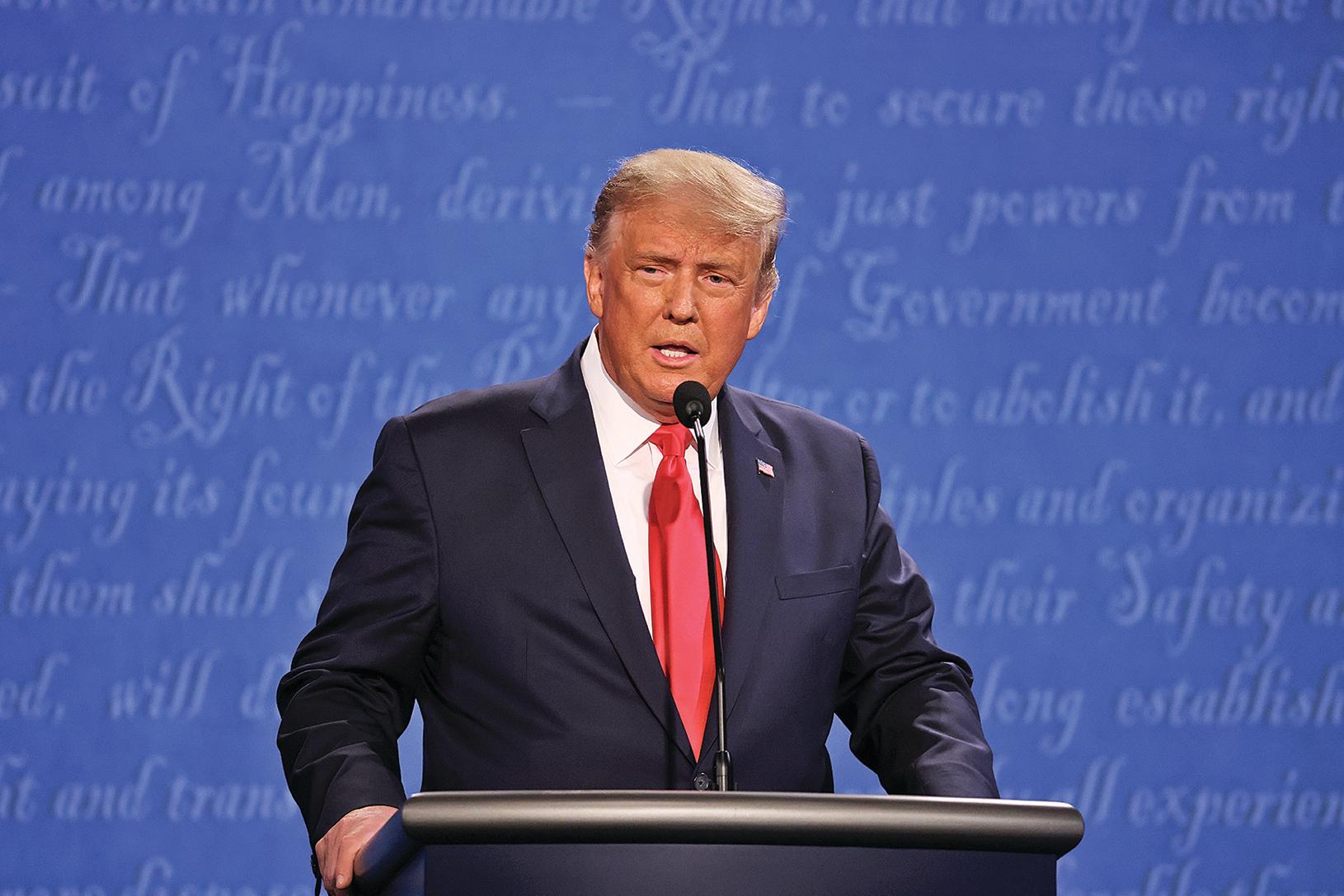 2020年10月22日,美國總統唐納德特朗普在田納西州納什維爾的貝爾蒙特大學(Belmont University)參加對民主黨總統候選人祖拜登的最後一場總統辯論。(Justin Sullivan/Getty Images)