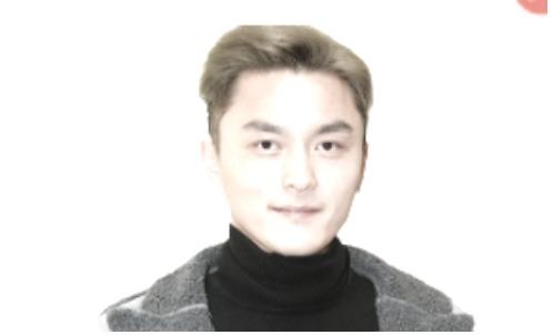 港撐警藝人楊明被控三宗罪 案件押至十二月再訊