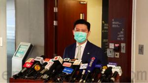 譚文豪提動議促聘港人 批國泰減薪雙重標準