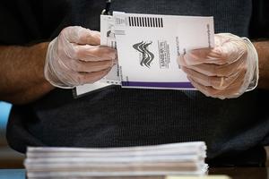 民主黨選舉欺詐與郵寄選票操縱內幕曝光