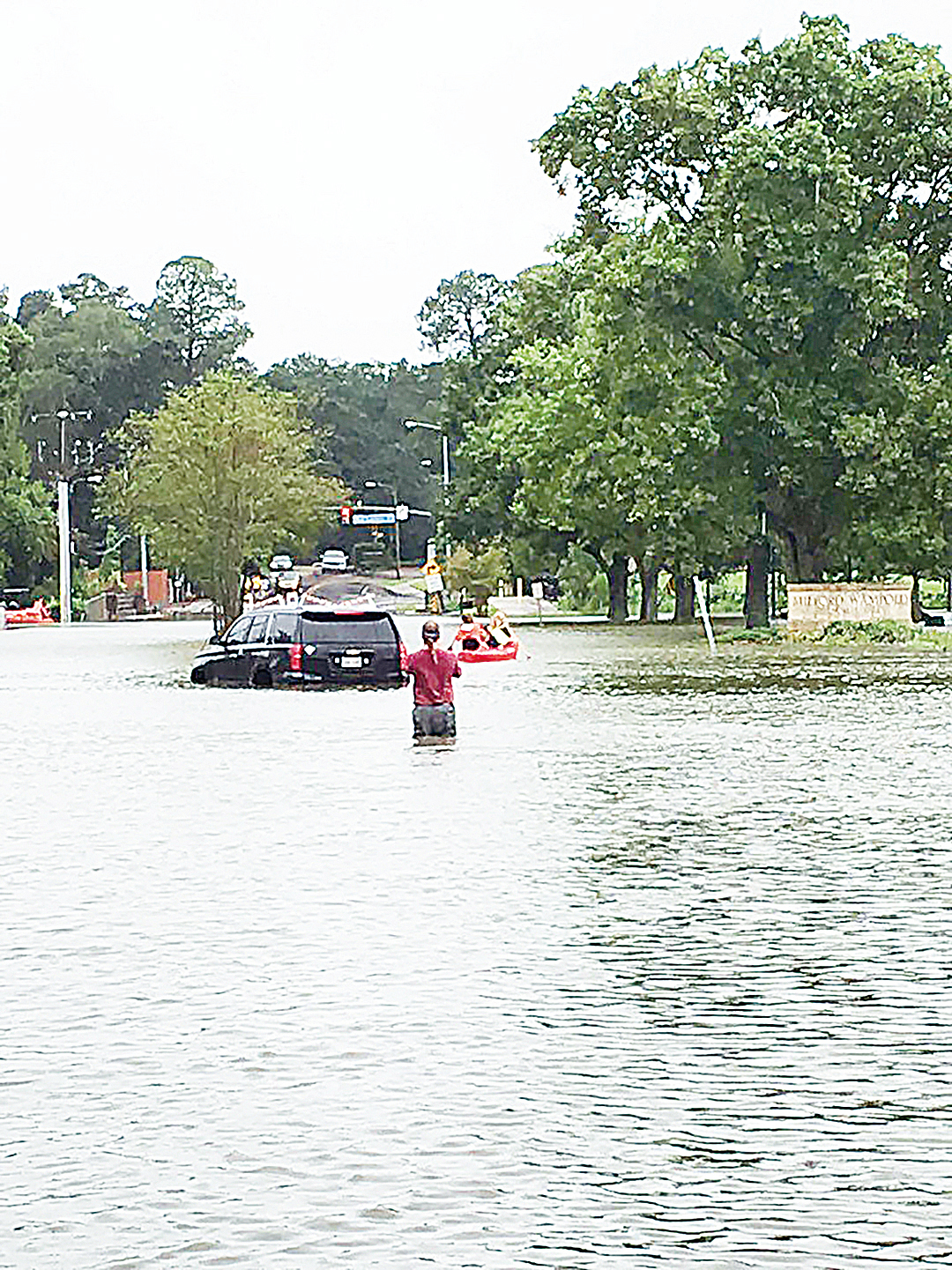 極端氣候造成的災害越來越多。圖為美國路易斯安那州因暴雨成災,洪水肆虐。(推特圖片)