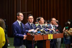 香港四名民主派議員:遭中共取消資格感到光榮