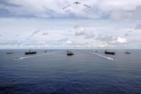 2007年8月14日,美國海軍聯合演習。(Stephen W. Rowe/U.S. Navy via Getty Images)