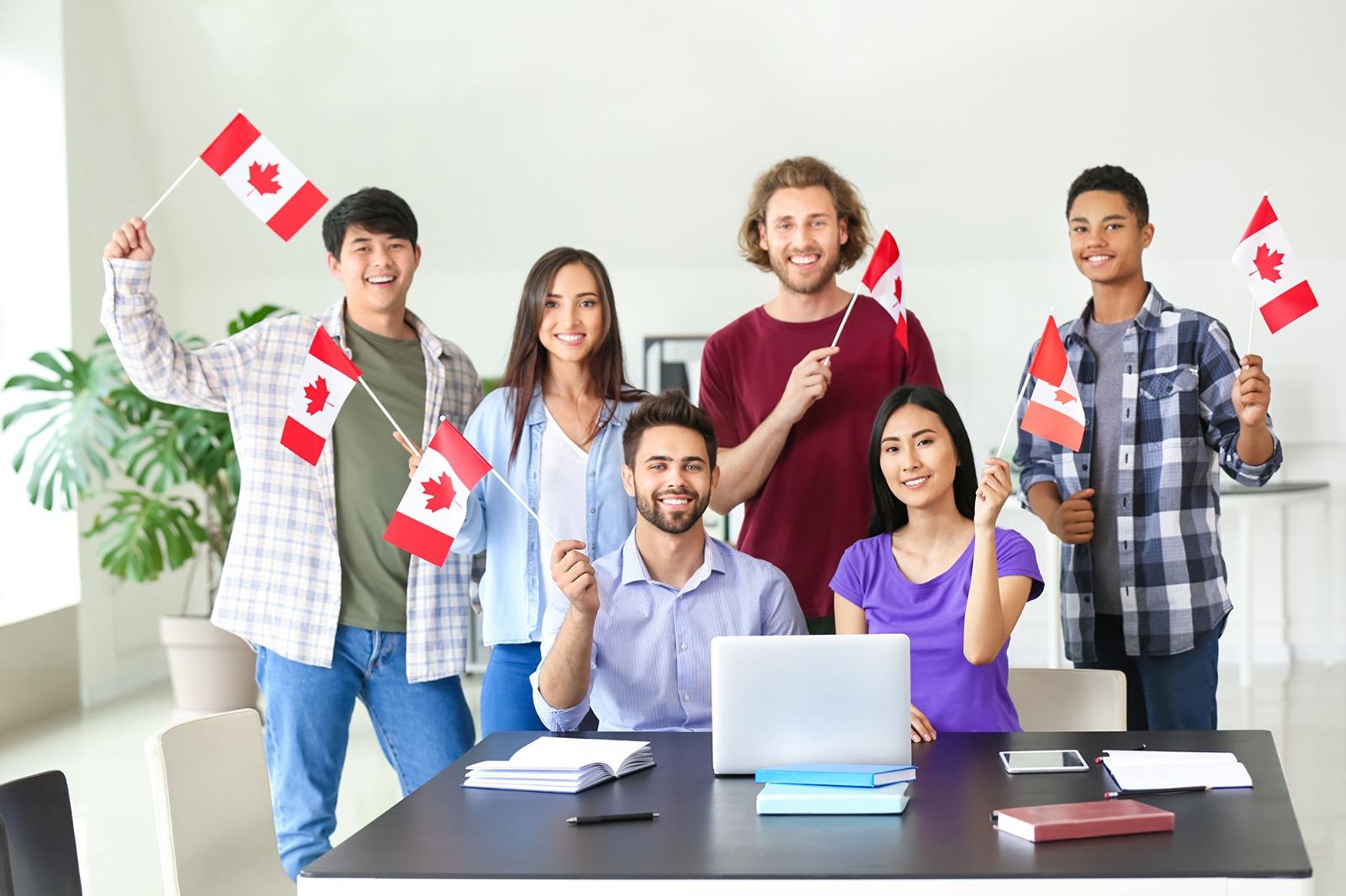 加拿大政府宣佈,將給予符合資格的香港人三年的工作簽證,使他們得以移民到當地進修或工作。示意圖。(Shutterstock)