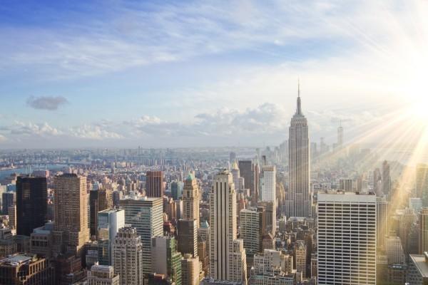 紐約經歷高溫炙烤。(shutterstock)