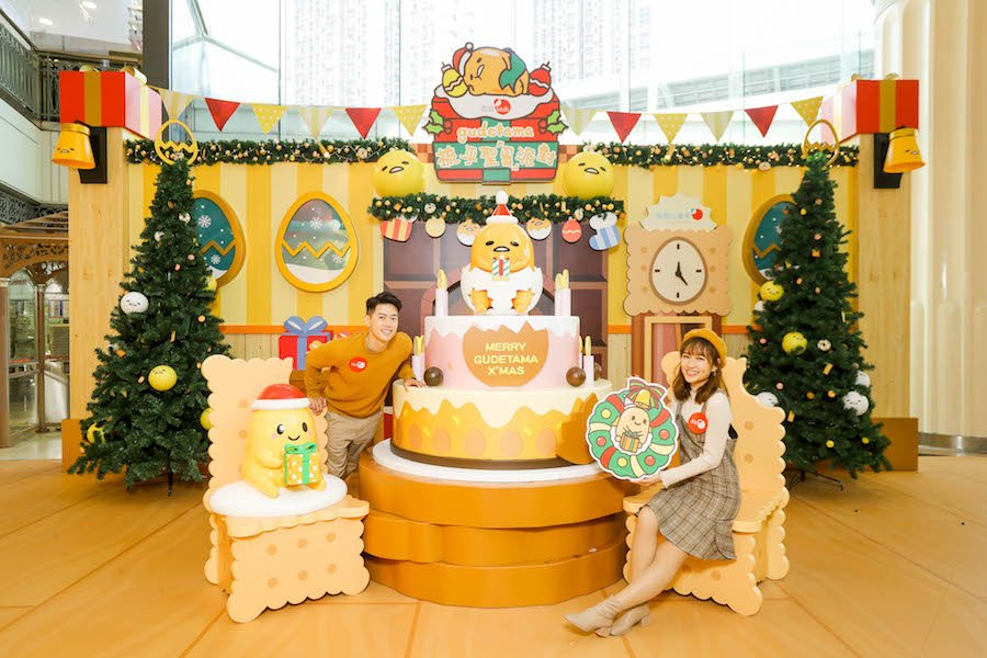 戴上聖誕帽的蛋黃兒亦準備了三層聖誕蛋糕,齊來歡度佳節!(公關提供)