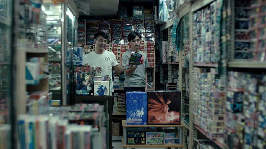 玩具舖有不少舊式玩具,正符合電影情節中兩兄弟緬懷過去的場景。(高先電影提供)