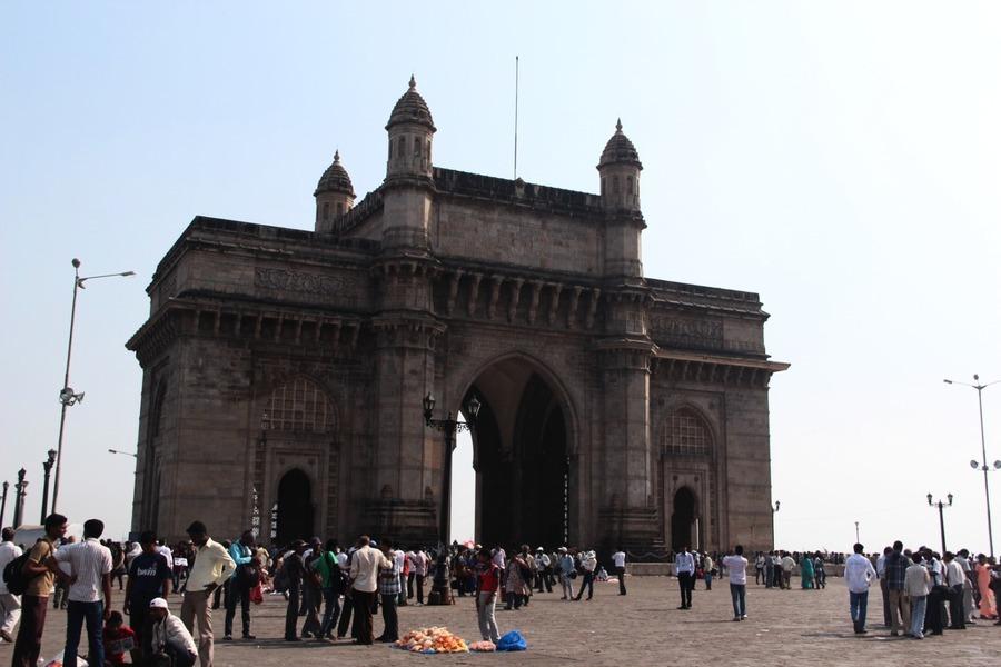 印度股市走出困局上破43,600點