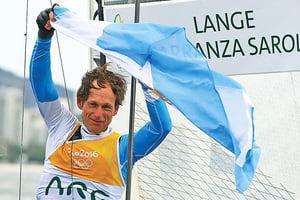不向癌魔低頭 阿根廷帆船老將奧運摘金