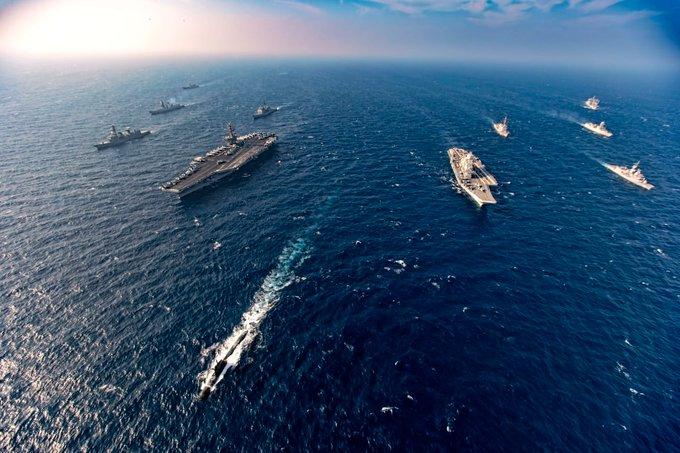 11月17日至20日,印度與美國、澳洲、日本舉行馬拉巴爾第二階段的海上聯合軍演。(印國防部推特@PRO_Vizag)
