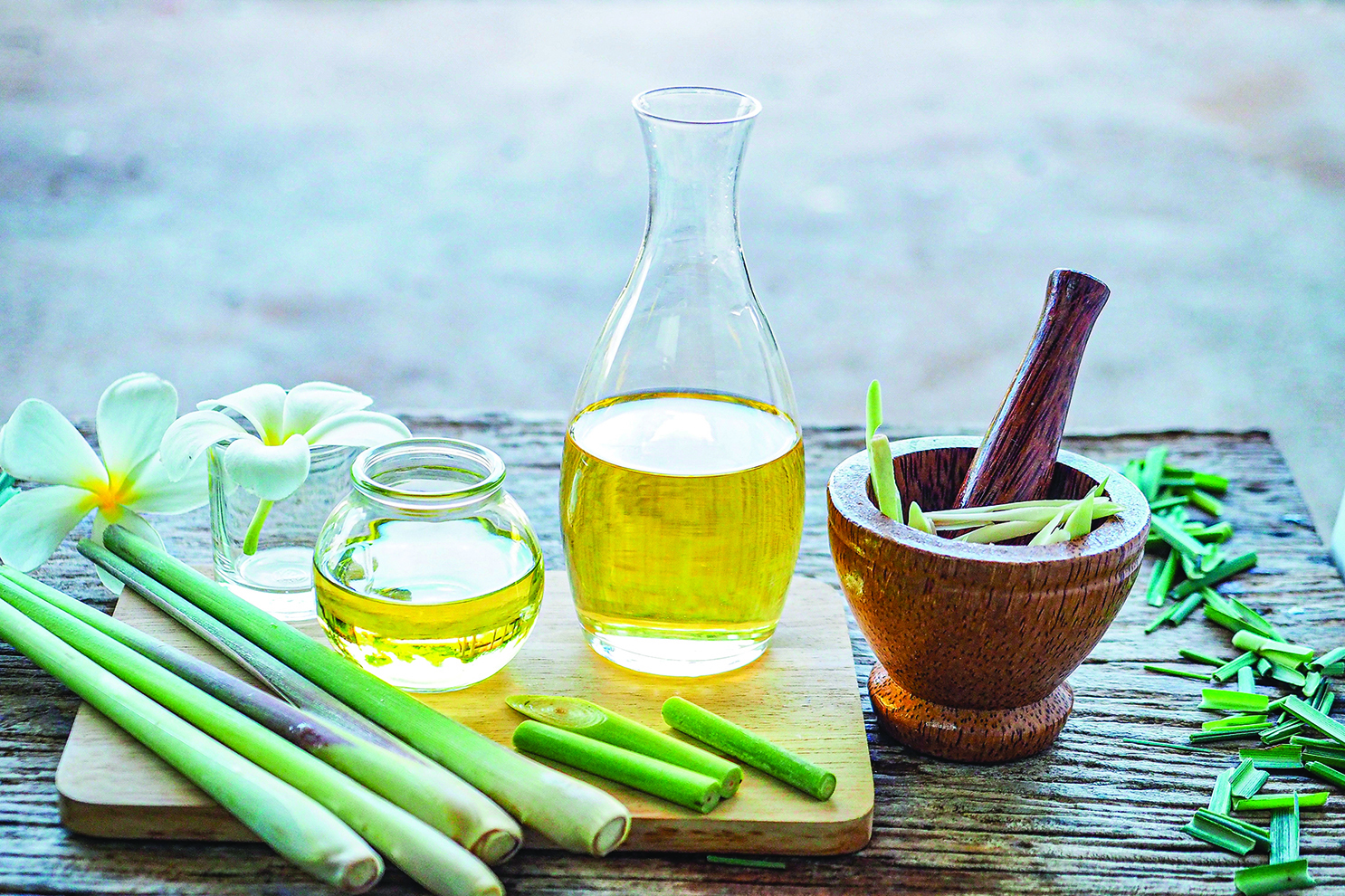 檸檬香茅精油在泡澡時使用可以消除疲勞。