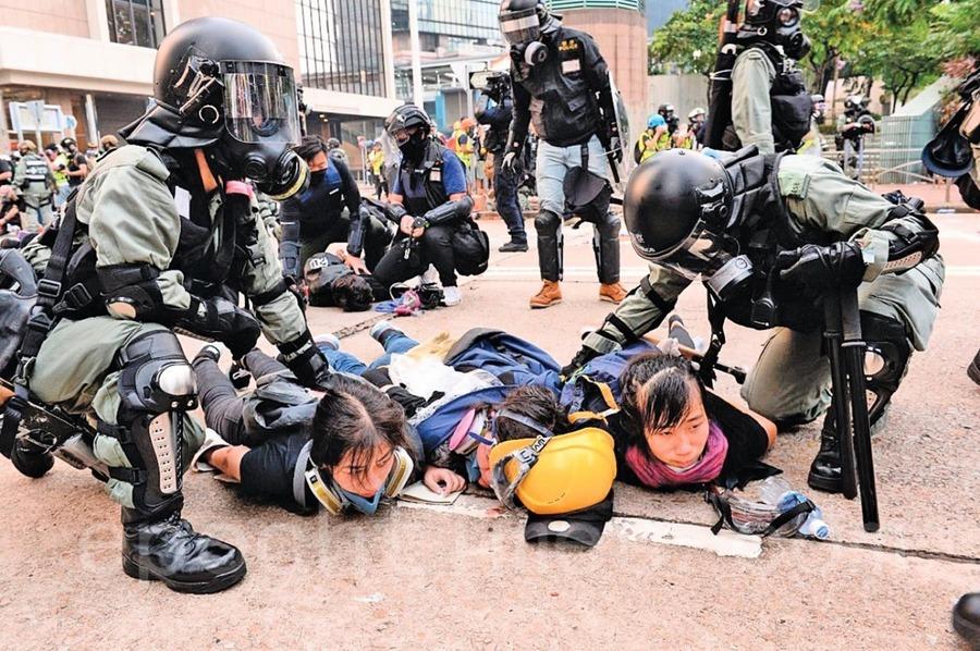 港防暴速龍不展示警員編號 高院裁定違反《人權法》