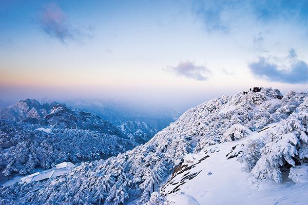 黃山雪景(fotolia)
