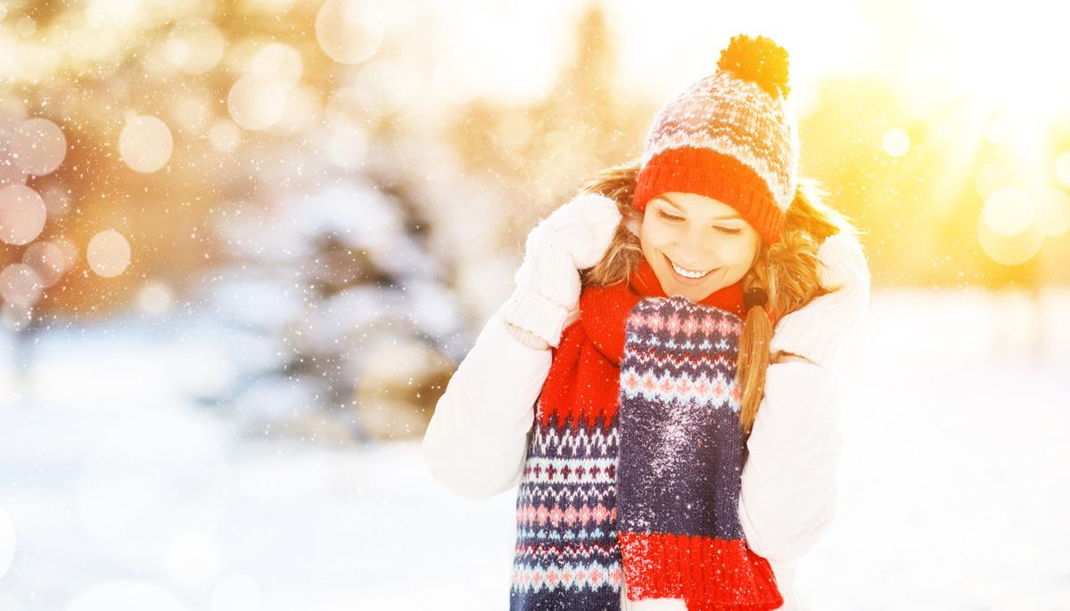 「小寒」是一年中最冷的節氣之一,一定要注意保暖,尤其是對肩頸部、腳部等易受涼的部位要加倍呵護;老年人和身體較虛弱的病人也可戴毛帽、穿襪子入睡。(fotolia)