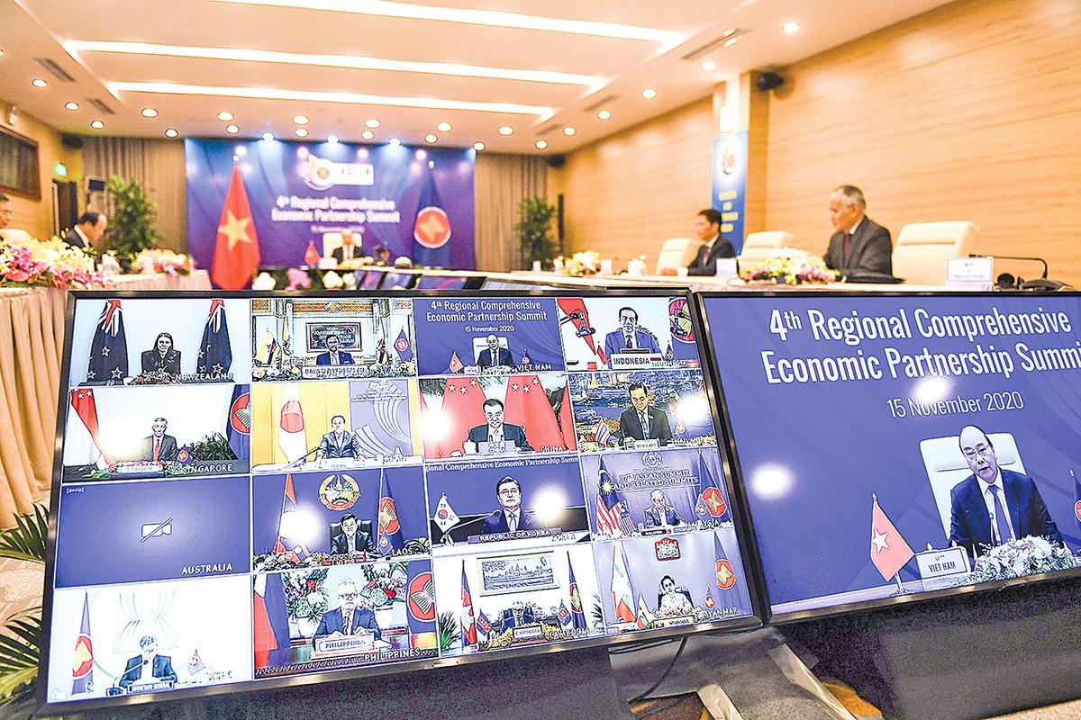 11月15日,越南主持了第四屆東南亞國家聯盟(ASEAN)視像峰會和第四次區域全面經濟夥伴關係(RCEP)峰會。(Nhac Nguyen/AFP via Getty Images)
