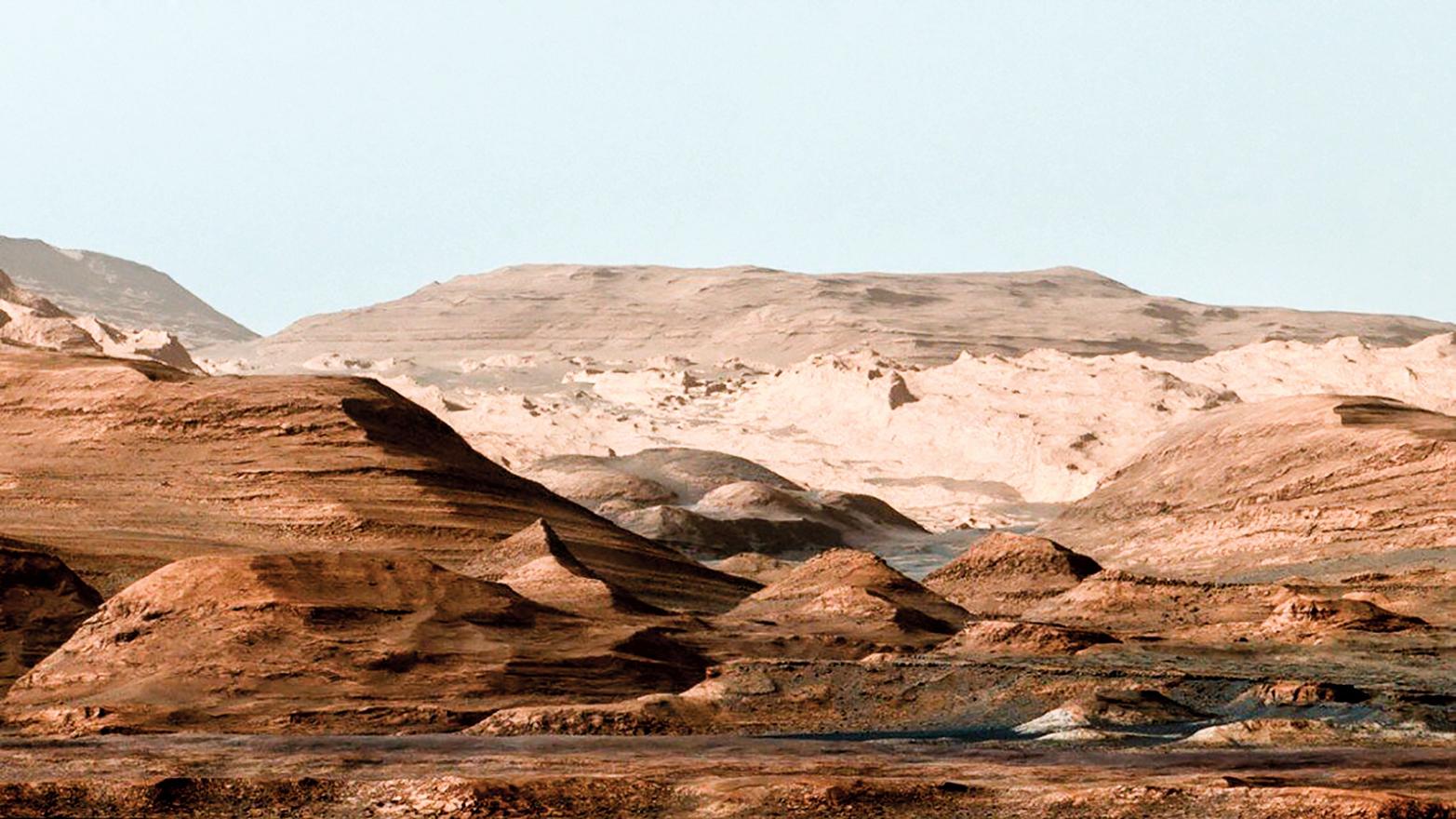 火星蓋爾撞擊坑內夏普山附近地貌。(NASA/JPL)