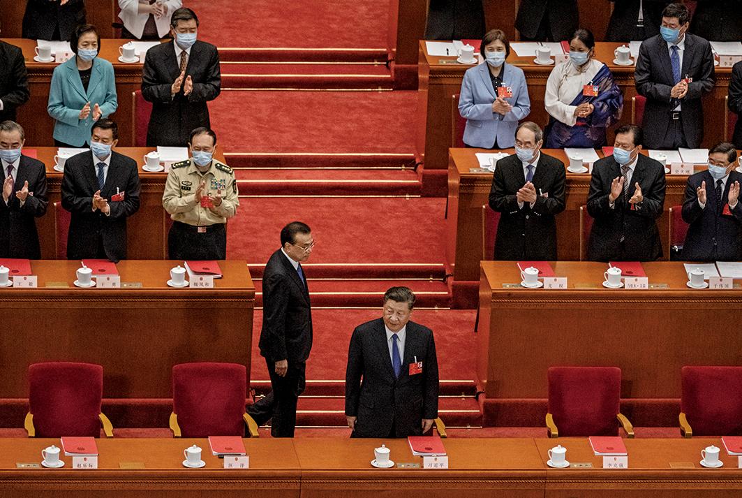 圖為2020年5月28日,中共人大會閉幕日,習近平和李克強到達會場。(Kevin Frayer/Getty Images)