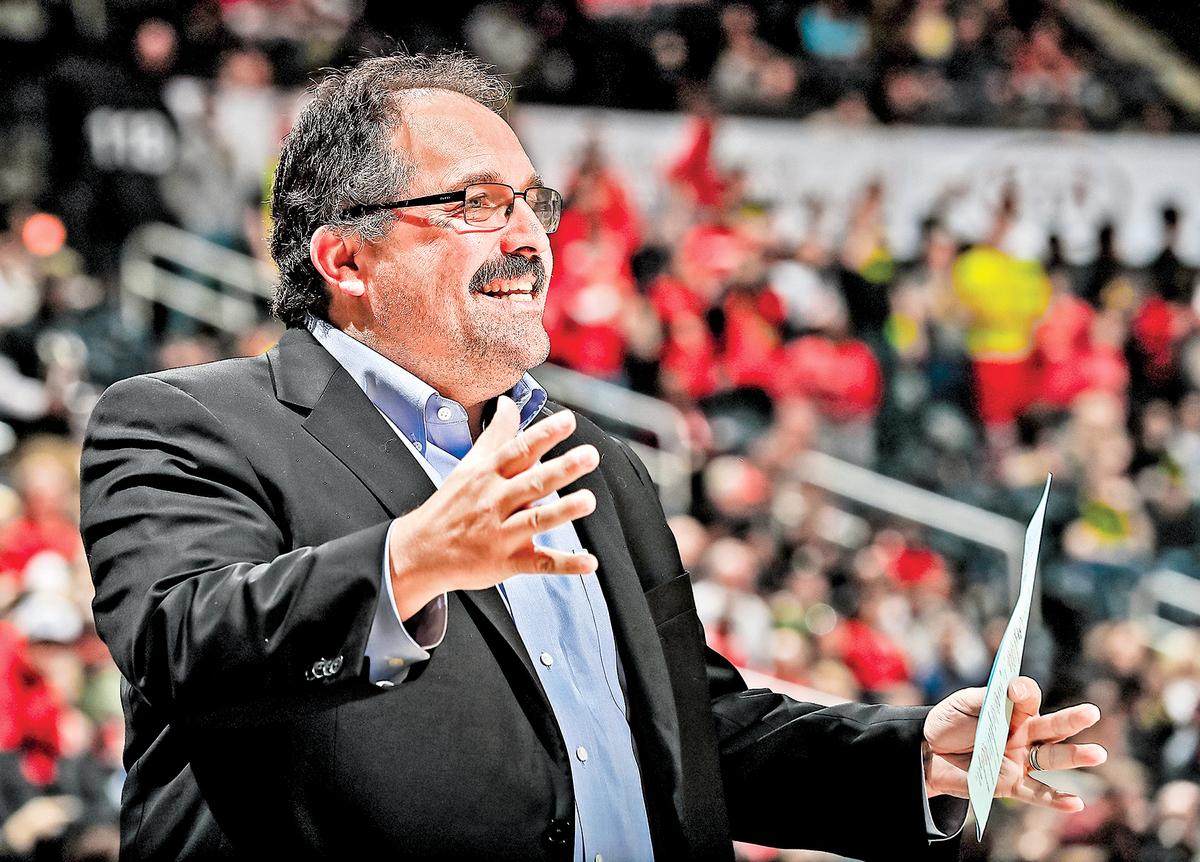 2018年2月11日,底特律活塞隊教練斯坦范甘迪(Stan Van Gundy)在佐治亞州亞特蘭大的飛利浦體育館(Philips Arena)。據稱,范甘迪最近大嘆自己的舊友和同事,都是種族主義者、有厭女症和自戀狂的人。(Kevin C. Cox/Getty Images)