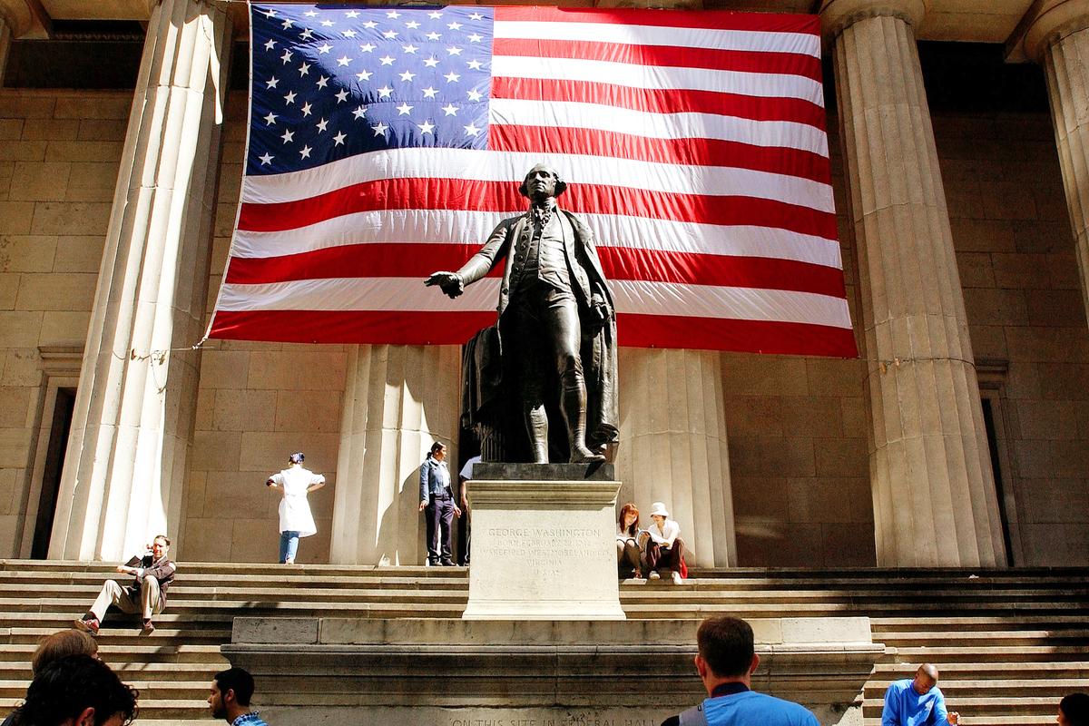 紐約聯邦國家紀念堂(Federal Hall )前的喬治‧華盛頓雕像。(Spencer Platt/Getty Images)