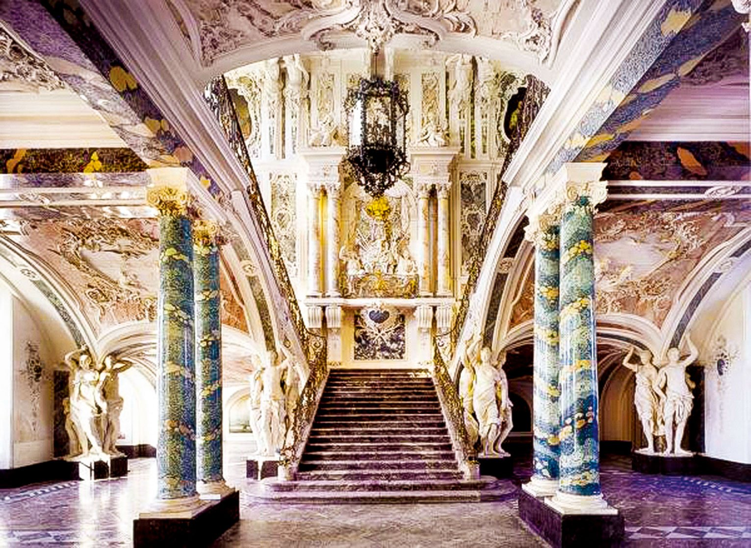 由巴爾塔薩·諾伊曼(Balthasar Neumann)設計的主階梯。(Horst Gummersbach 提供/UNESCO World Heritage Site Palaces Augustusburg and Falkenlust, Brühl)