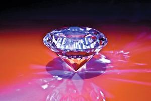 科學家首次 在室溫下造出鑽石