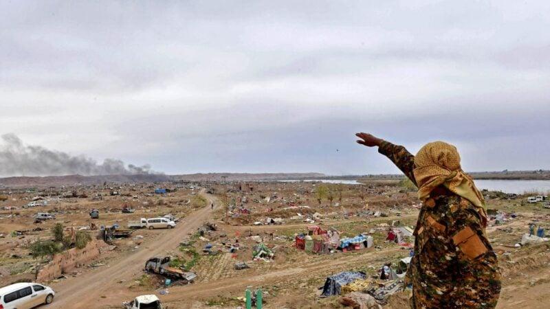 11月27日,伊朗「核彈之父」法赫里扎德被暗殺身亡。伊朗高級安全官員說,暗殺行動由電子設備遙控配合完成。以色列總理內塔尼亞胡曾警告:記住這個名字。五角大樓已派遣尼米茲號航空母艦返回中東。示意圖。(GIUSEPPE CACACE/AFP via Getty Images)