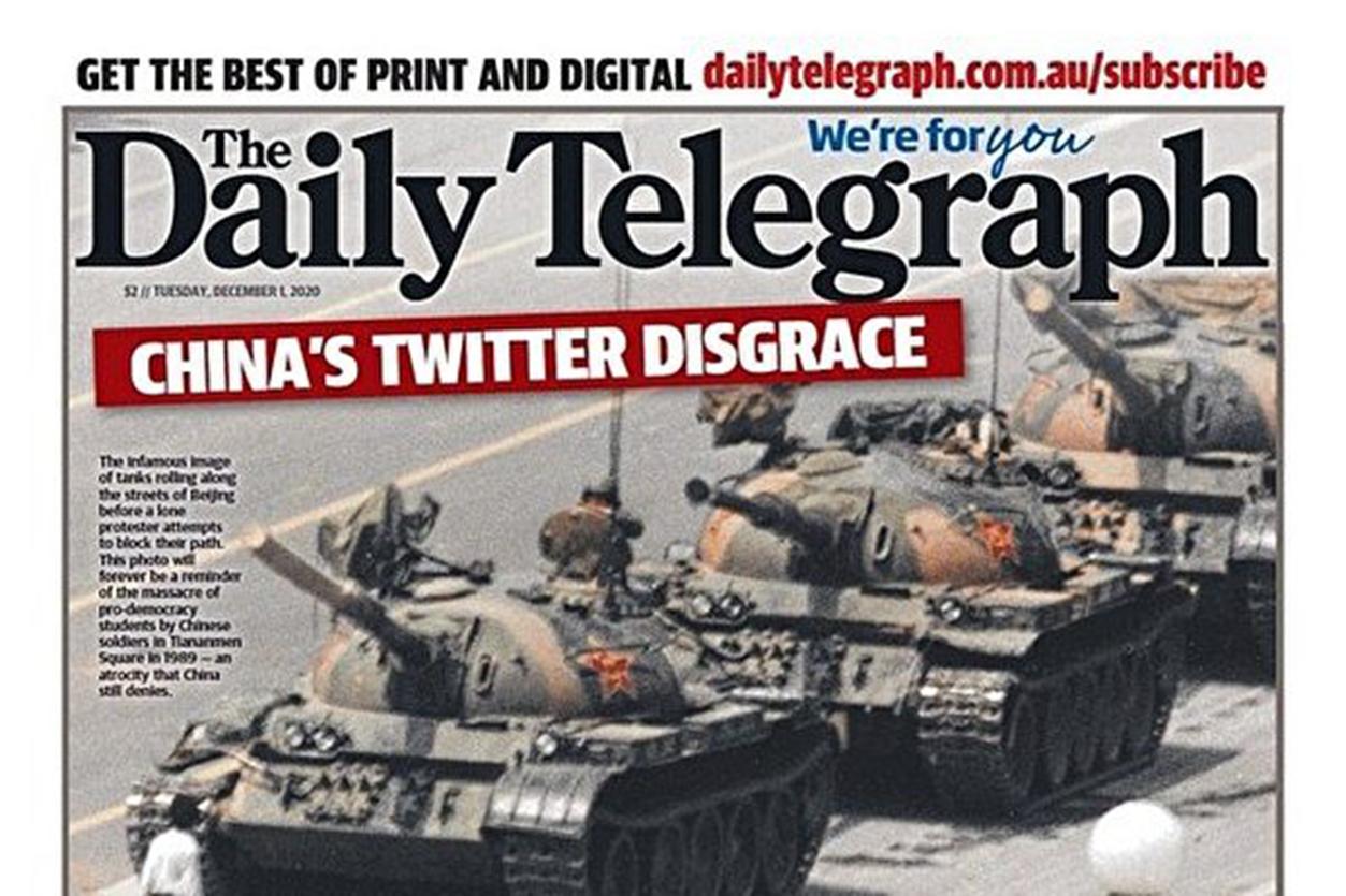 澳洲《每日電訊報》12月1日以頭版刊登1989年六四天安門事件「坦克人」的照片,並模仿趙立堅語氣要求北京為PO假圖片事件究責。(twitter.com/IndoPac_Info)