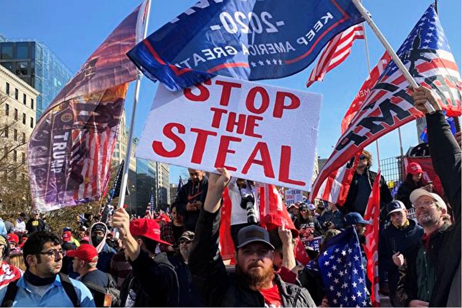 特朗普團隊推進兩條戰線 參議員敦促最高法院