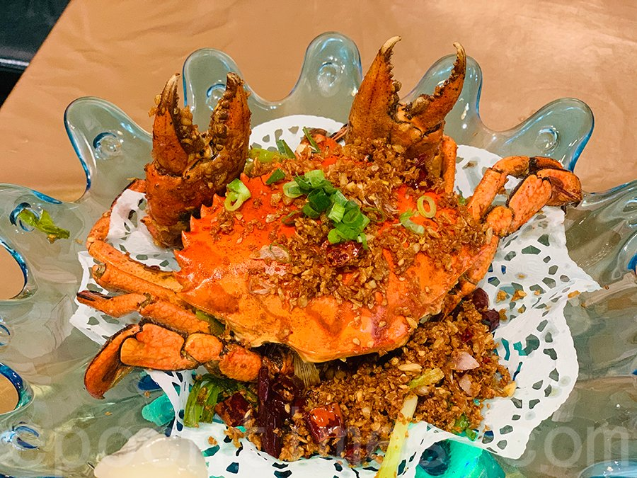 大角咀的中菜館「喜聚坊」的避風塘炒辣蟹。(Siu Shan提供)