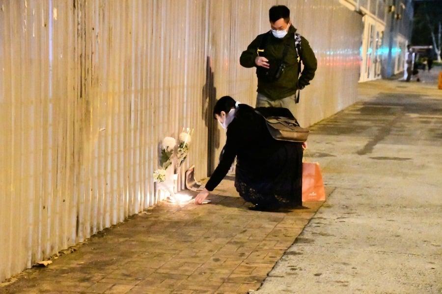 周梓樂墮樓13個月  香港市民奉糕點拜祭(多圖)