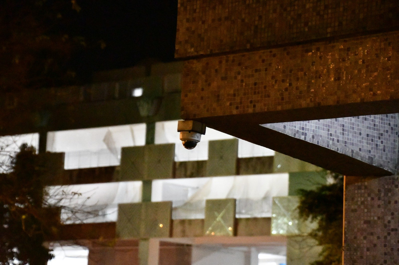廣明苑廣新閣地下2號CCTV。(攝影:Big Mack/大紀元)