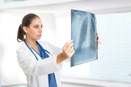 一項新的研究發現,癌症是亞裔美國人、夏威夷原住民和太平洋島民的頭號殺手,華裔女性肺癌發病率高。(Fotolia)