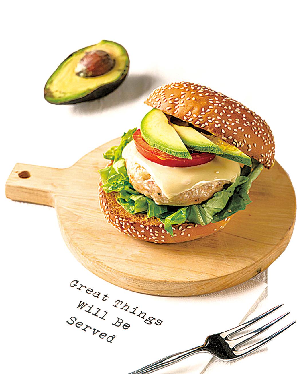 減脂也可以吃美味的雞胸肉漢堡。