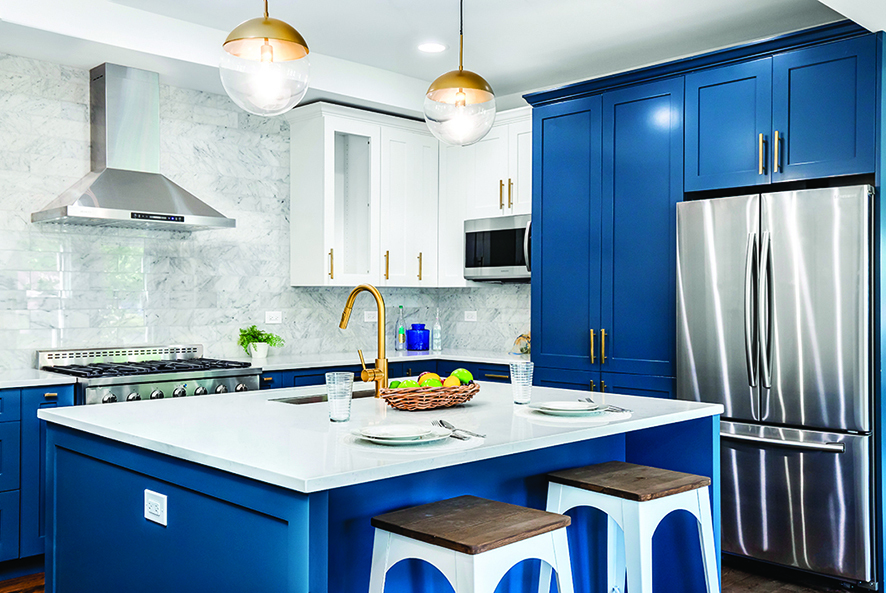 廚房中島也可以當作餐桌,充份利用空間。