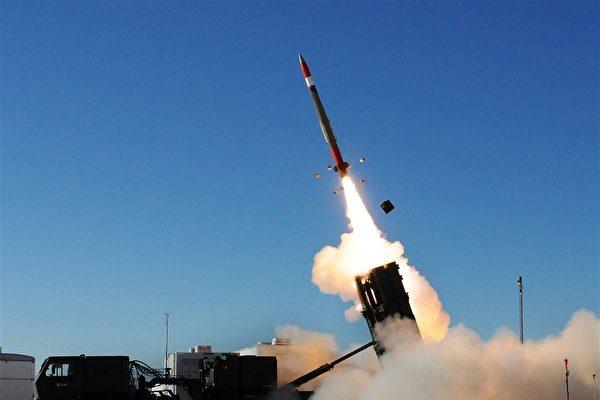 關於台灣將向美增購300枚愛國者三型防空導彈一案,台灣空軍司令部參謀長黃志偉中將7日表示,該採購案是在原有額度內採購。(圖取自美國陸軍網頁army.mil)
