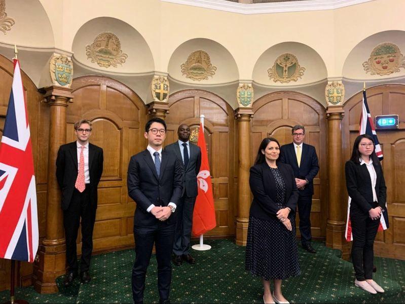英大臣高調會晤羅冠聰 懸掛旗幟顯英國刻意高姿態