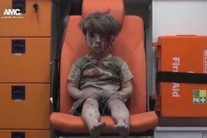 敘男童照震驚全球 美:戰爭之殘酷寫照