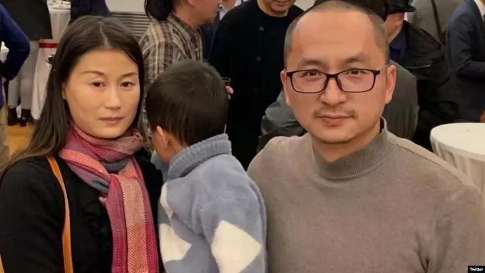 12月10日世界人權日,詩人王藏和妻子王麗至今被關押在楚雄市的看守所。圖為王藏夫婦資料照。(王麗推特截圖)