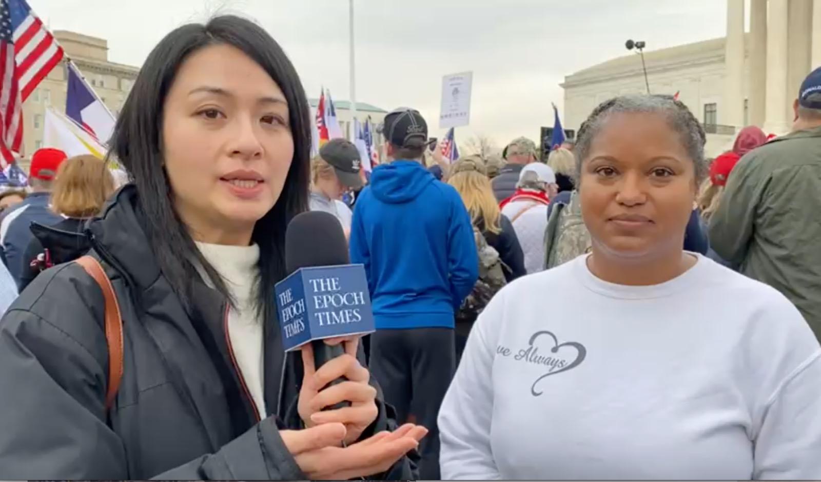 12月12日,一位美國退休軍人在華盛頓的集會活動中表示,今天來到這裏是為維護美國憲法和每個美國人的權力,同時寄語香港人要抱持希望與信念。(Hanson/大紀元)